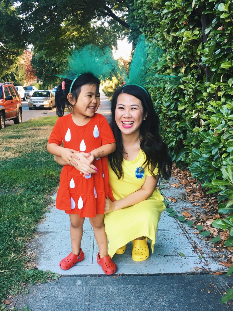 The easiest halloween costume for mommy and kids Easy Strawberry and Banana Costumes for mommy and daughter  sc 1 st  I am Style-ish & DIY Mommy u0026 Me Strawberry and Banana Halloween Costume