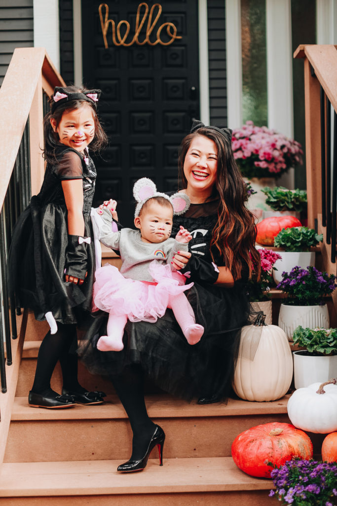 5 Cute And Easy Mommy And Me Halloween Costumes